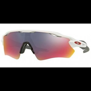 Brand New Authentic Oakley Sunglasses OO9208 38